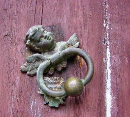 f320a-peillon_doorknocker02